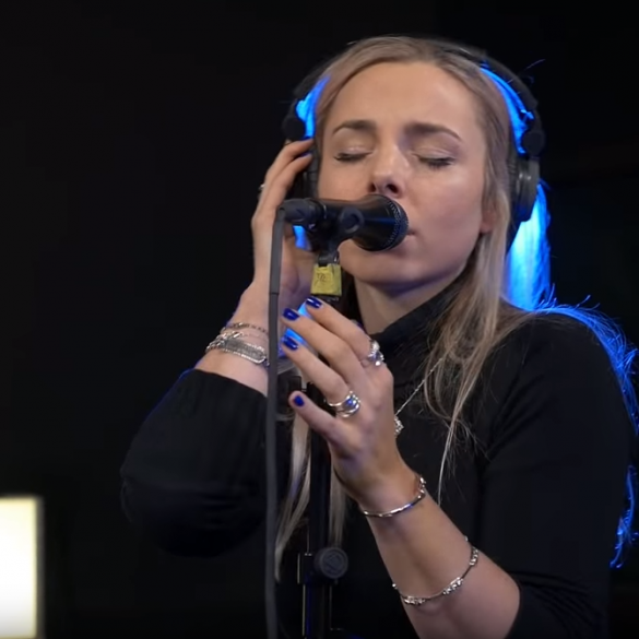 HÆLOS - Full Performance (Live on KEXP) - YouTube